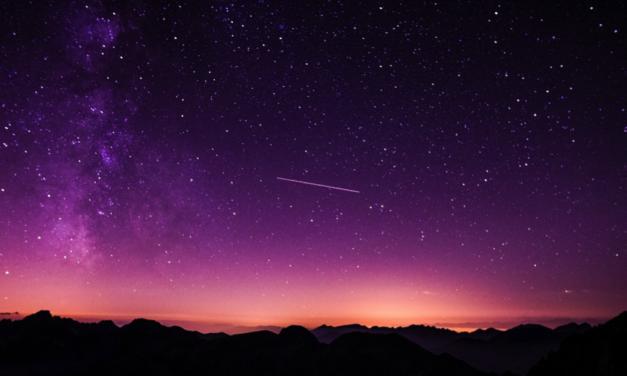 Begegnungen mit Besuchern von anderen Sternen: Nicht berichtete Geschichten von Nordamerikanischen Indianer-Ältesten